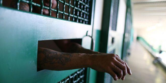 Hieren con arma blanca a confinado en cárcel de Guayama