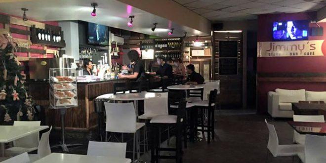 La Banda ESH Acústico en Jimmy's Bistro Bar Café en Guayama